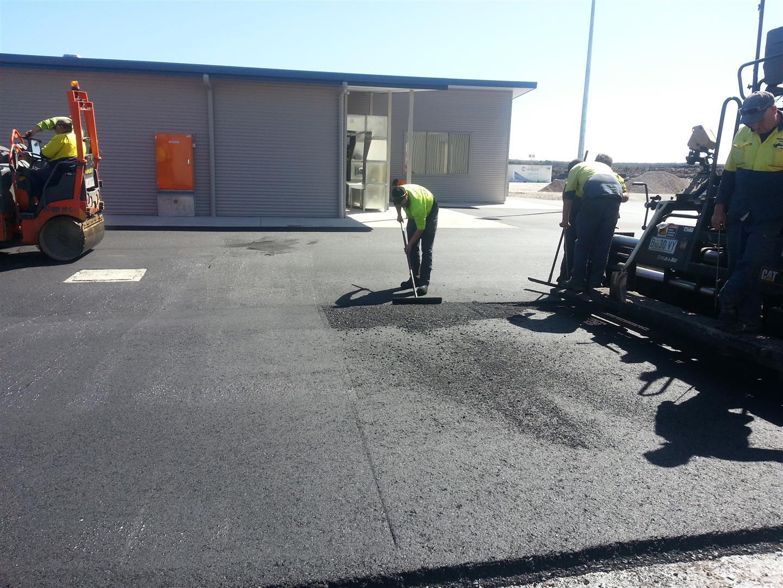Rockit Asphalting Carpark Sealing (10).jpg