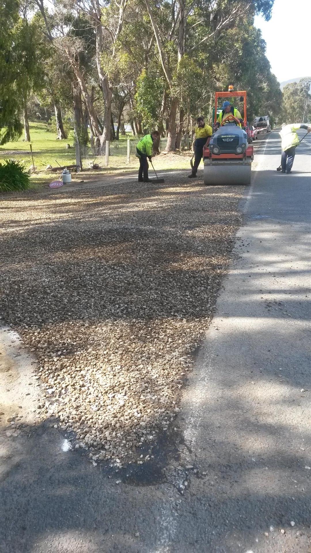 Rockit Asphalting Driveway Sealing (1).jpg