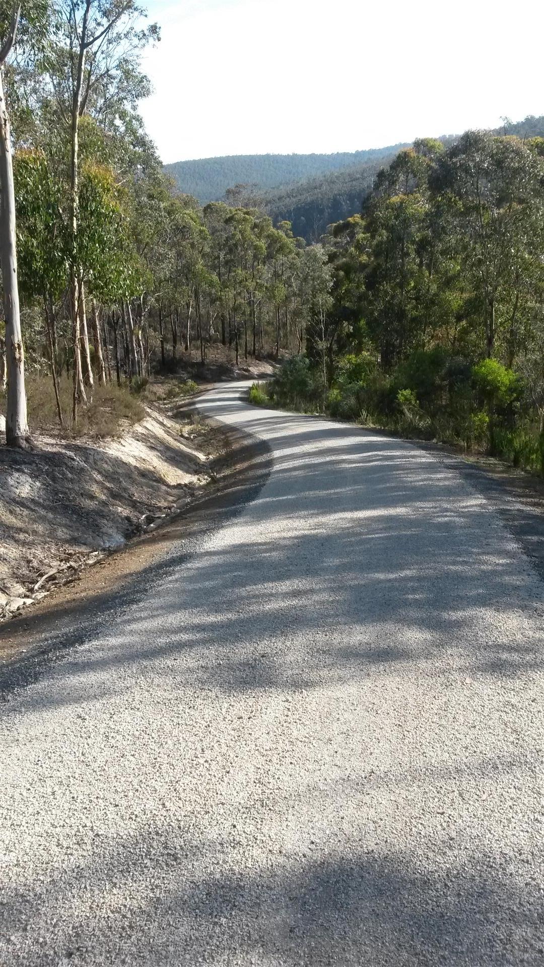 Rockit Asphalting Driveway Sealing (4).jpg