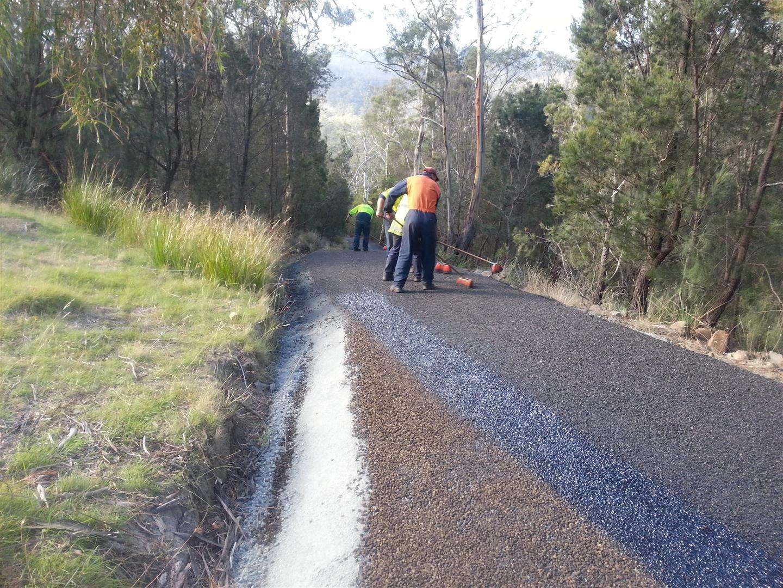 Rockit Asphalting Driveway Sealing (6).jpg